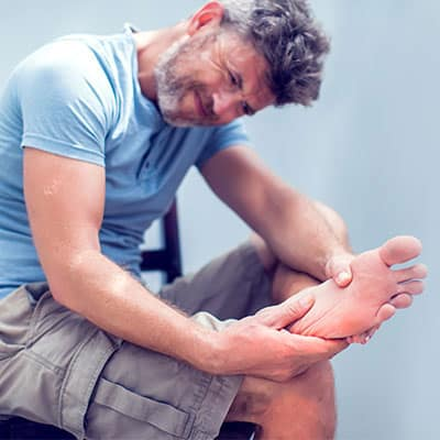 How Do Your Feet Affect Your Spine? A Look at Foot Posture